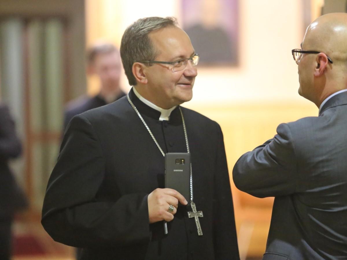 Bp Muskus: Odnowa Kościoła musi przybrać radykalny charakter