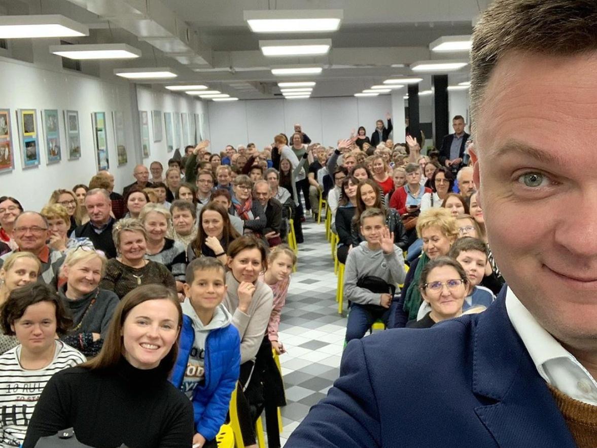 Szymon Hołownia na spotkaniu w Laboratorium Aktywności Społecznej w Niepołomicach 20 listopada 2019 r.
