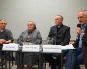 Józef Majewski, siostra Jolanta Olech, ojciec Wojciech Żmudziński oraz Zbigniew Nosowski