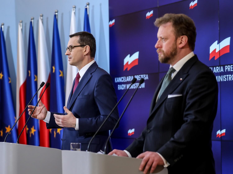 Konferencja prasowa w sprawie nowych zasad ochrony podczas pandemii z udziałem premiera Mateusza Morawieckiego oraz ministra zdrowia Łukasza Szumowskiego