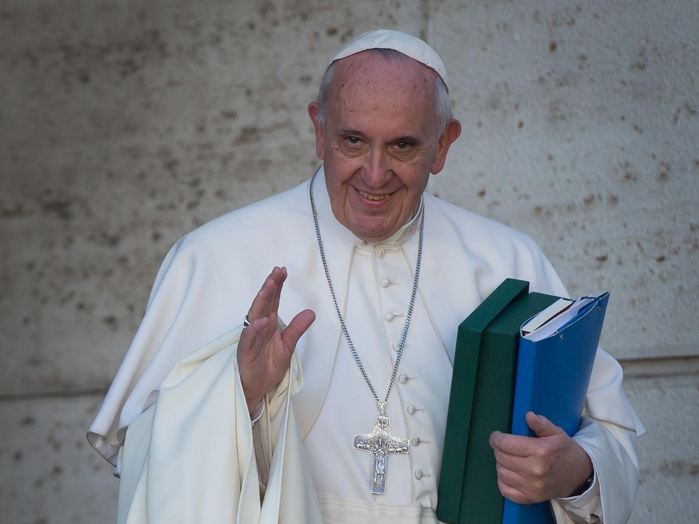 CNA: Franciszek akceptuje cywilne związki jednopłciowe