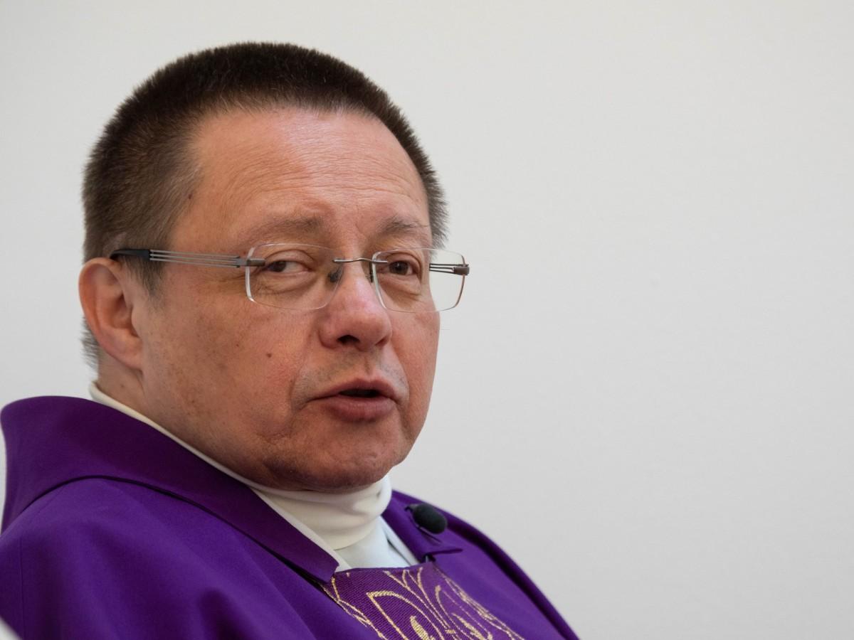 Abp Ryś: Bóg jest teraz w chorych, w umierających, w lekarzach, w wolontariuszach