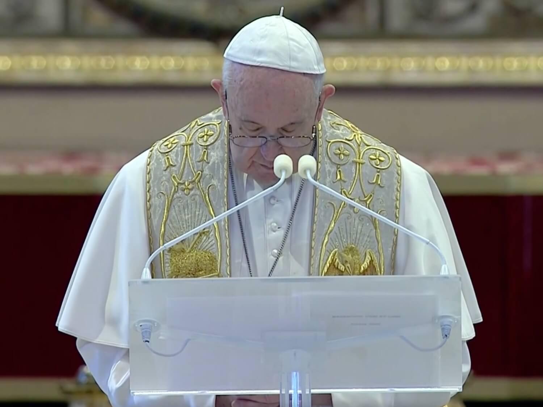 Franciszek podczas wielkanocnego błogosławieństwa Urbi et Orbi