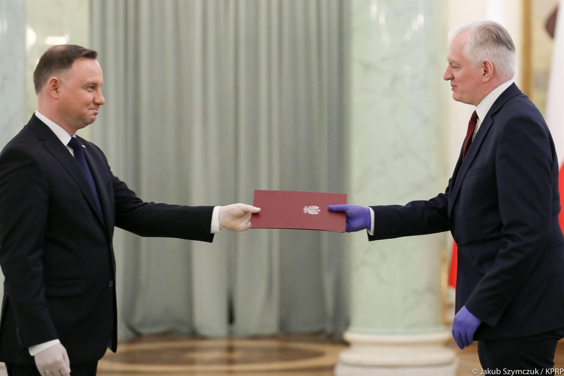 Prezydent Andrzej Duda odwołuje Jarosława Gowina z urzędów wiceprezesa Rady Ministrów oraz ministra nauki i szkolnictwa wyższego