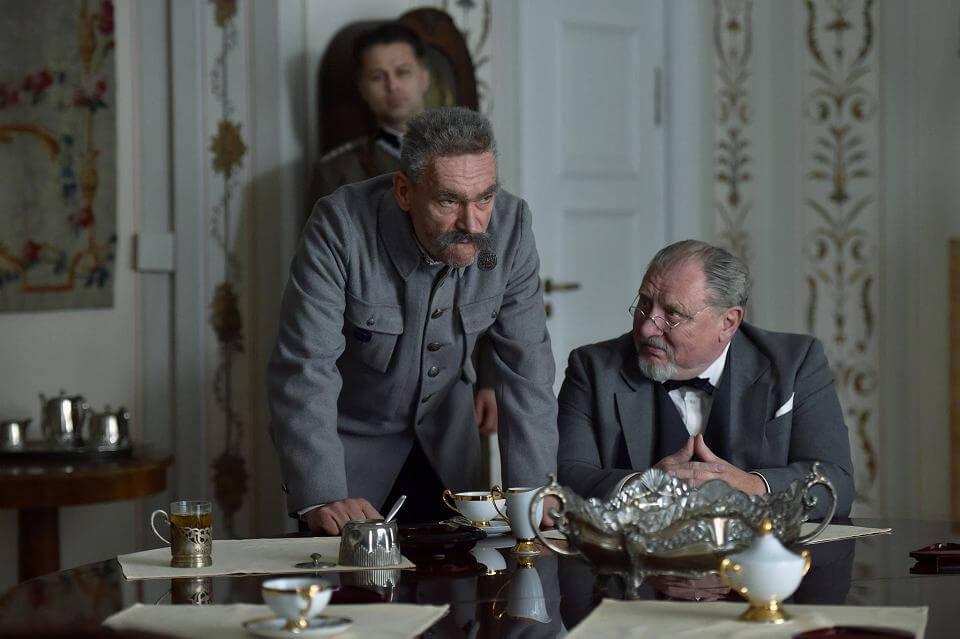 """Spektakl """"Marszałek"""" w Teatrze Telewizji. Mariusz Bonaszewski jako Józef Piłsudski i Andrzej Grabowski jako Aleksander Prystor"""