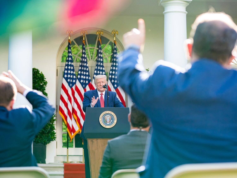 Prezydent Donald J. Trump w Ogrodzie Różanym w Białym Domu