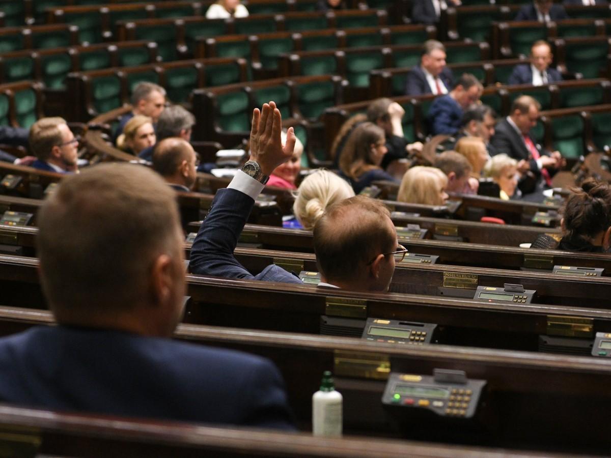 Sejm wybrał trzech członków państwowej komisji do spraw przypadków pedofilii