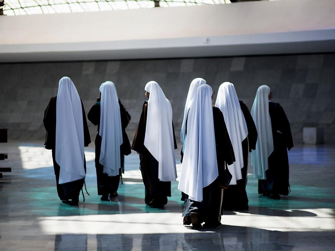 """""""La Civiltà Cattolica"""" alarmuje: Niektóre żeńskie klasztory funkcjonują jak więzienia"""