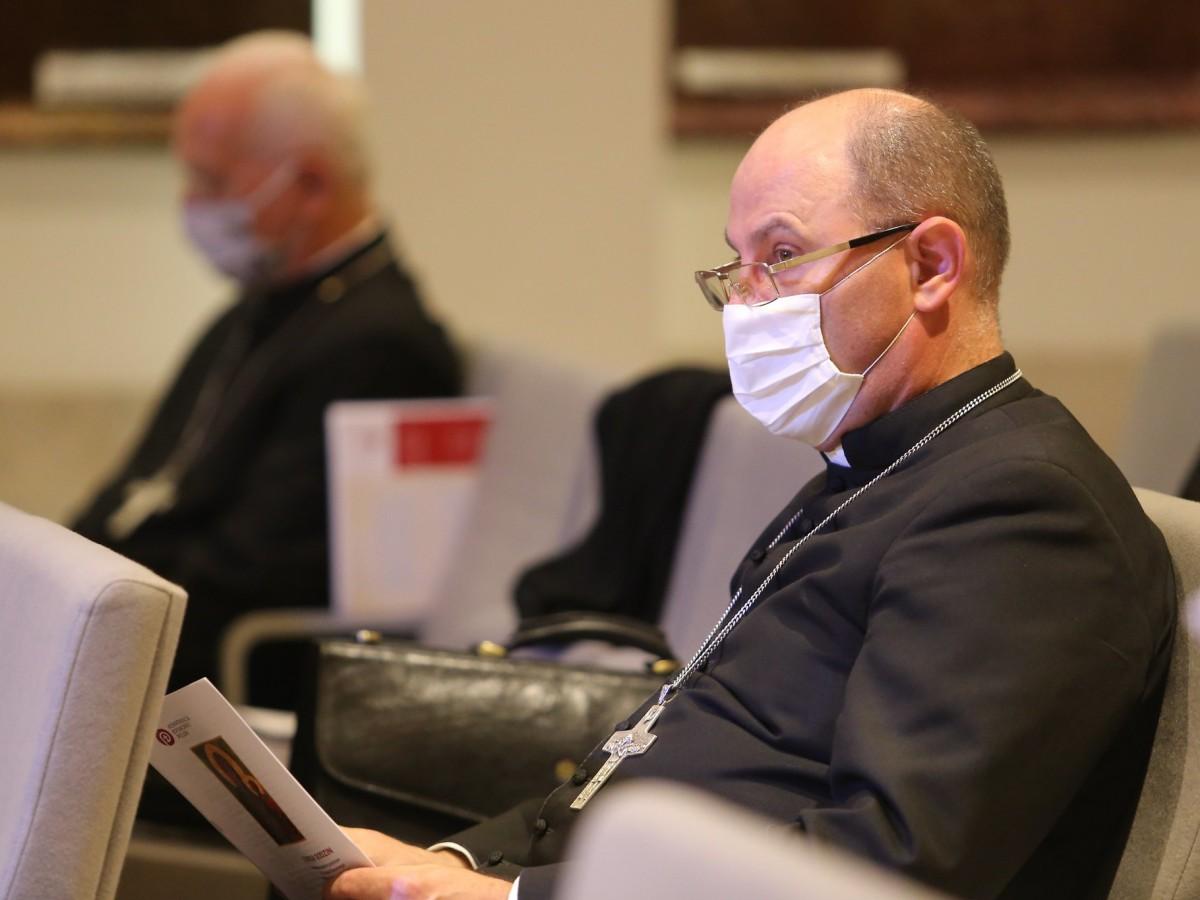 Prymas: Kościół nie potrzebuje żadnego parasola ochronnego ze strony państwa