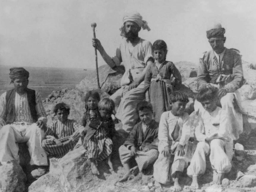 Asyryjscy uchodźcy ocaleni z pogromów w Iraku, rok 1933