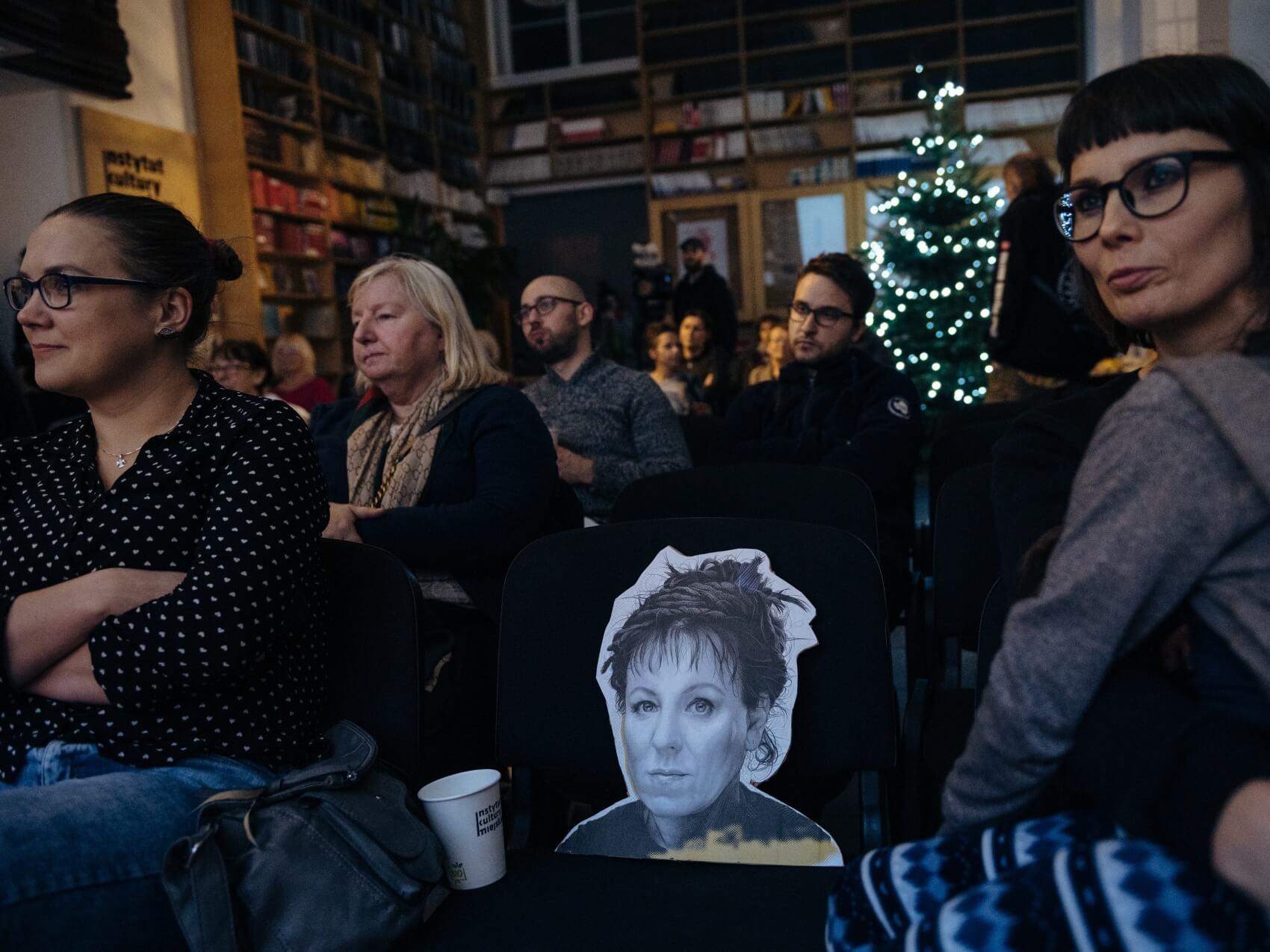Wspólne oglądanie transmisji wręczenia Literackiej Nagrody Nobla Oldze Tokarczuk w Instytucie Kultury Miejskiej w Gdańsku