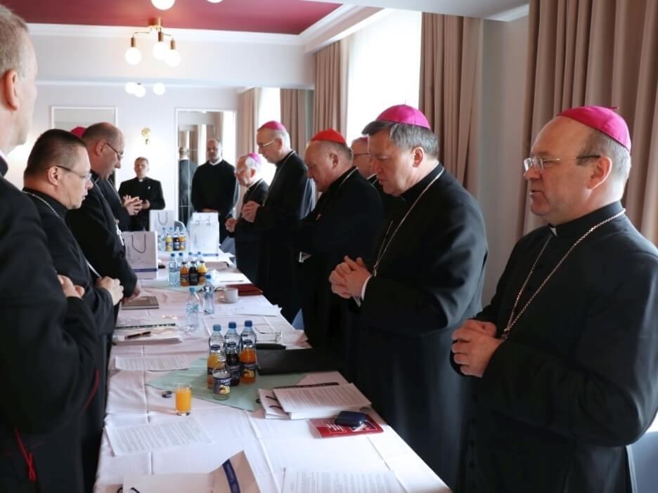 Jak episkopat odpowie Kaczyńskiemu? Abp Gądecki zapowiada komunikat na wieczór