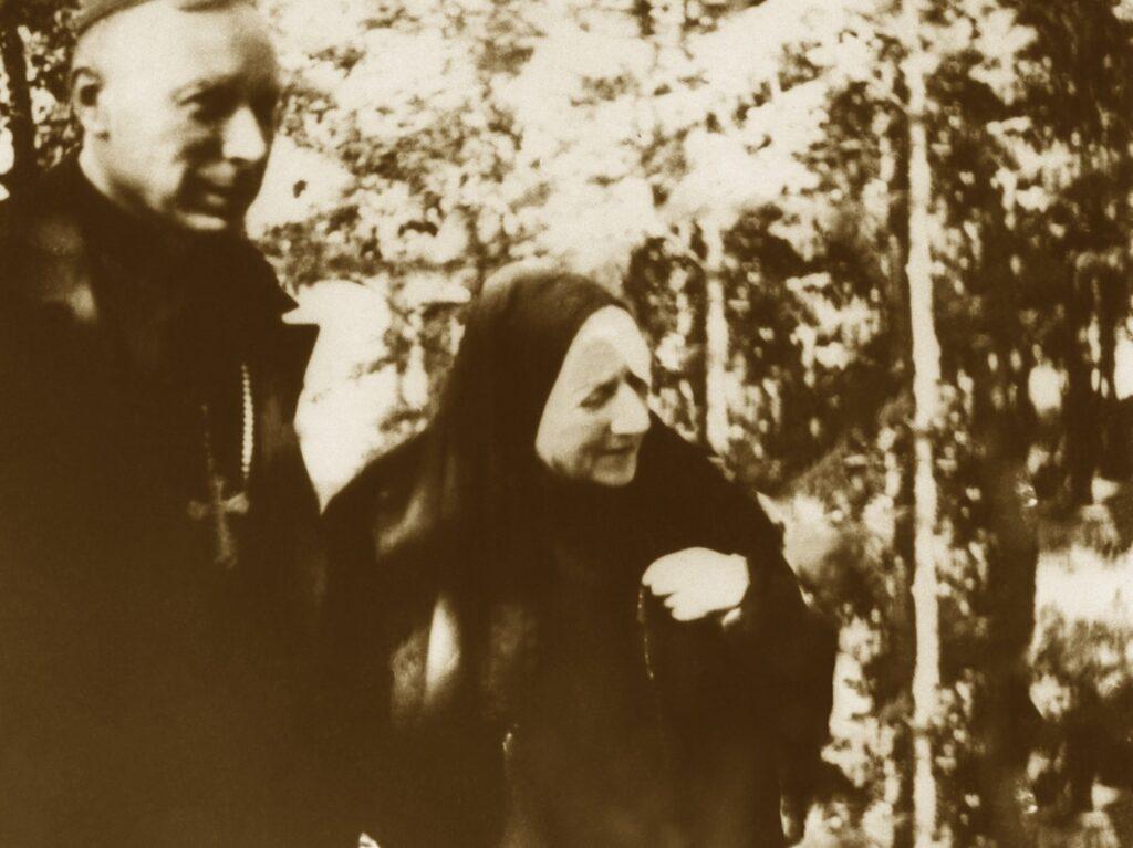 Matka Czacka z prymasem Wyszyńskim